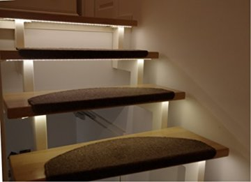 LED Treppenbeleuchtung für den Innenbereich Warmweiß für 7 Stufen je 1 Meter -
